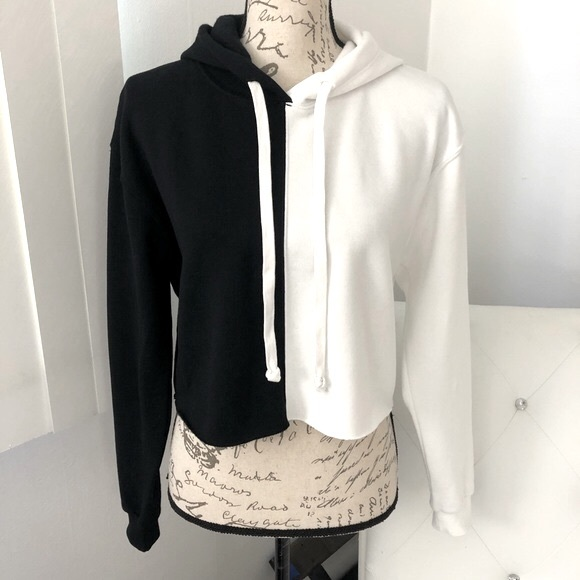 NWT Wild Fable Cropped Hooded Sweatshirt XS